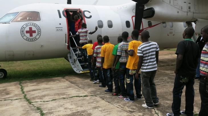 RD do Congo: CICV reúne 152 ex-crianças-soldados com as suas famílias
