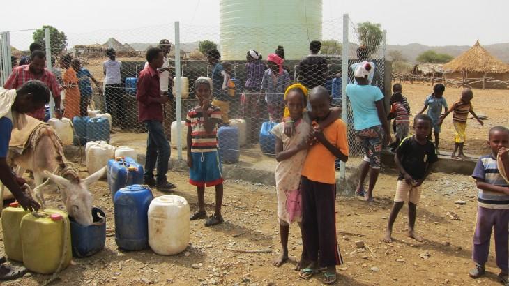 Eritrea: un pozo que funciona con energía solar trae agua y alivio