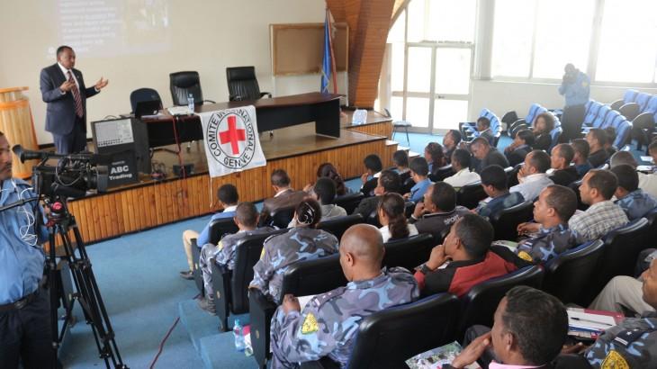 埃塞俄比亚:高级警官增进对人道原则的了解