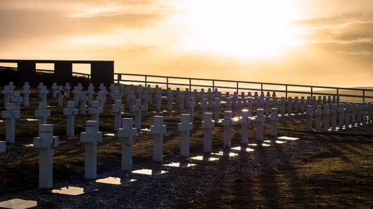 ICRC work to identify Argentinian soldiers buried in the Falklands/Malvinas continues as planned
