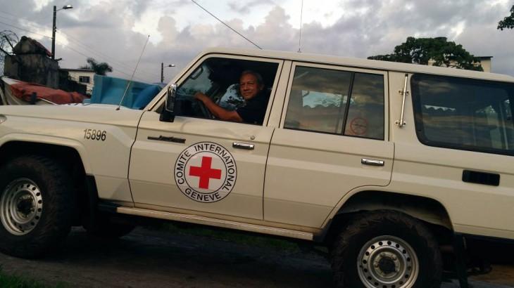 Tras el volante de un carro del CICR en Colombia