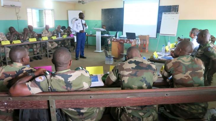 Guinée : des instructeurs de l'École de gendarmerie formés au respect des droits humains