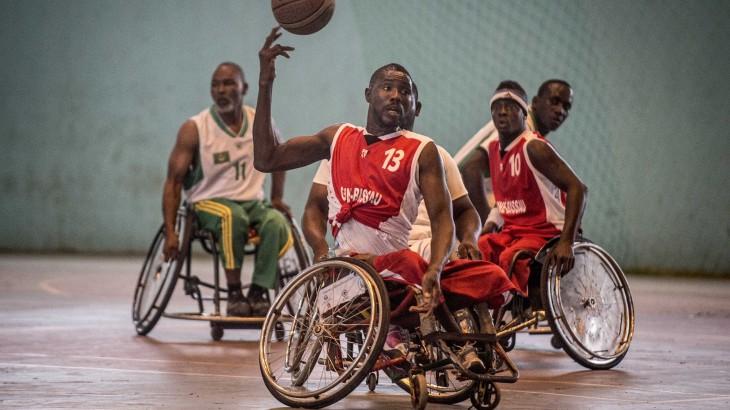 Esporte ajuda a reabilitar vítimas de guerra e de violência armada