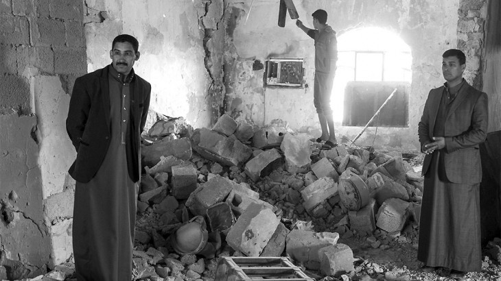 度假胜地沦为流离失所者营地:照片中的残酷战争