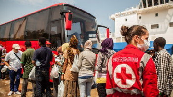 Italy: Italian Red Cross restores dead migrant's body to