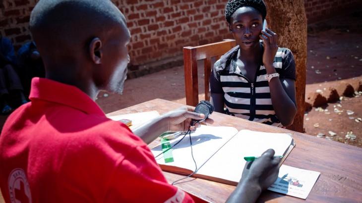 Kenya / Tanzania / Djibouti: Refugees made 241,000 calls to families in 2015
