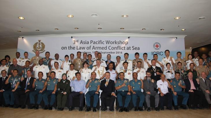 印度尼西亚:亚太地区海军军官共同探讨海战法