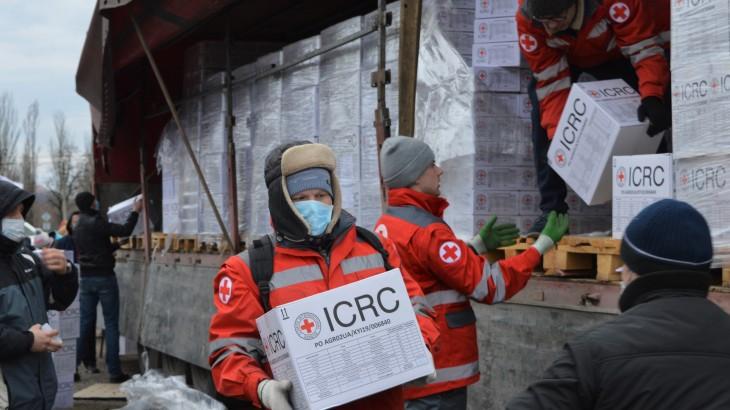Ukraine: Zivilbevölkerung und Gesundheitswesen gleichzeitig bedroht durch Kämpfe und COVID-19
