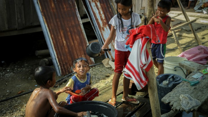 Philippines: Typhoon Haiyan survivors back in business