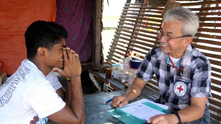 Filipinas: detenido recupera el contacto con su padre luego de veinte años