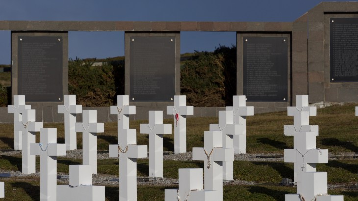 Falkland/Malvinas Islands: Forensic field work to identify remains of Argentine soldiers comes to an end