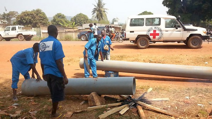 République centrafricaine : l'eau potable coule à nouveau pour les habitants de Bangui