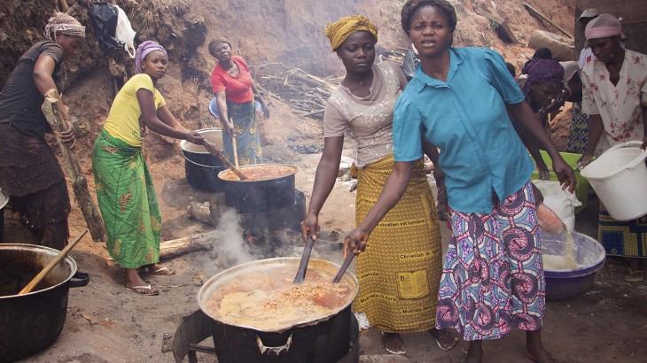 刚果民主共和国:逃离开赛省暴力局势 民众苦不堪言