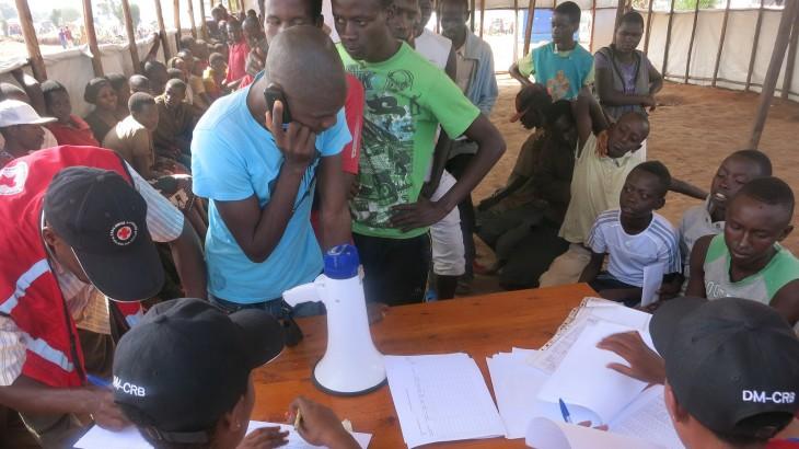 卢旺达/布隆迪:免费电话帮助难民保持联系
