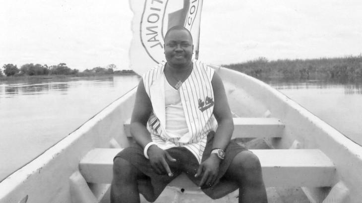"""""""人人都爱肯尼迪"""":朋友们缅怀南苏丹遇难卡车司机 追忆昔日友情"""
