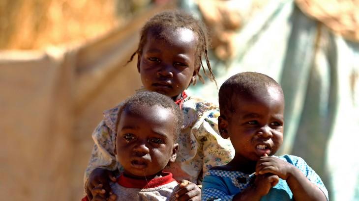 Судан: соблюдать права детей во время вооруженных конфликтов