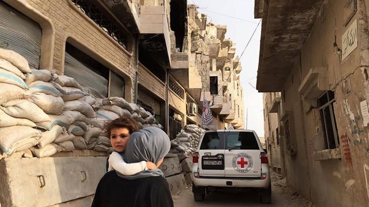 Siria: ayuda para más de 120.000 personas en una localidad sitiada cerca de Homs