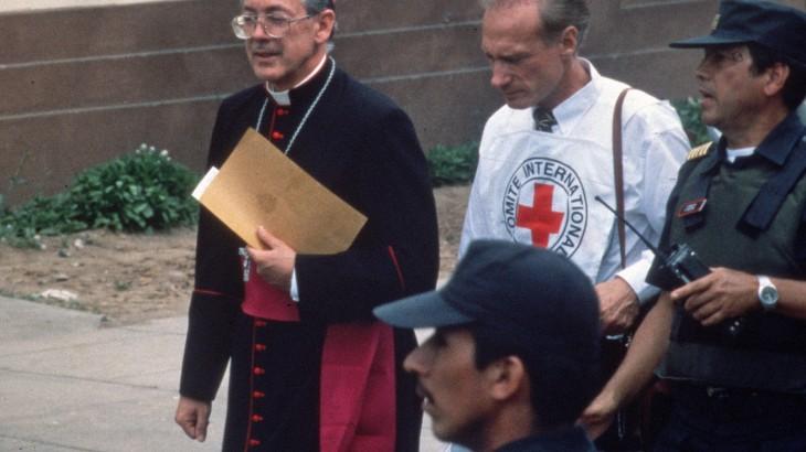 """""""Бельканто"""" в реальном мире: Мишель Минниг о захвате заложников в Лиме"""