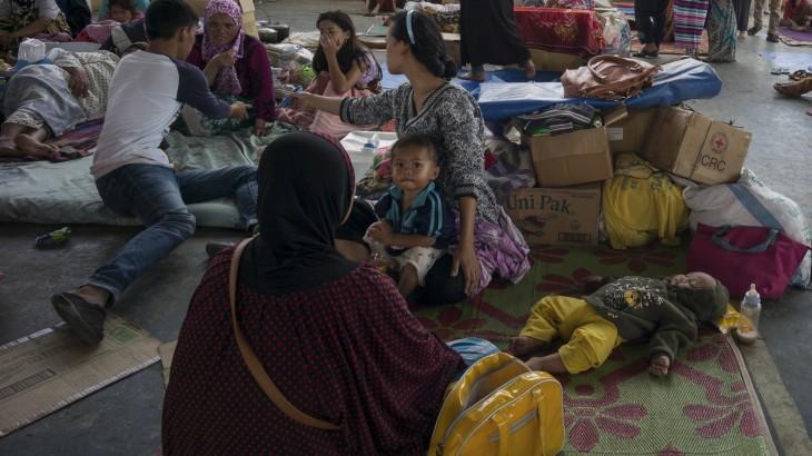 菲律宾马拉维市成百上千平民遭受战斗威胁