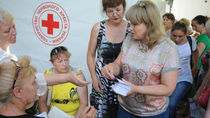 Ukraine: ICRC steps up aid amid fragile ceasefire