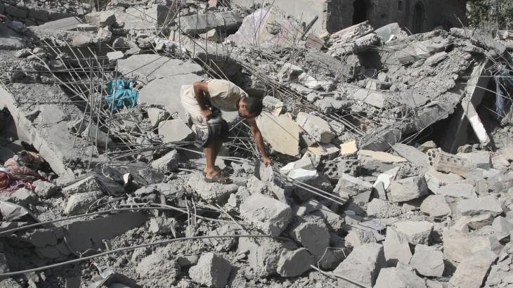 موظفو الإغاثة في اليمن... الباقون بمفردهم بعد رحيل الجميع