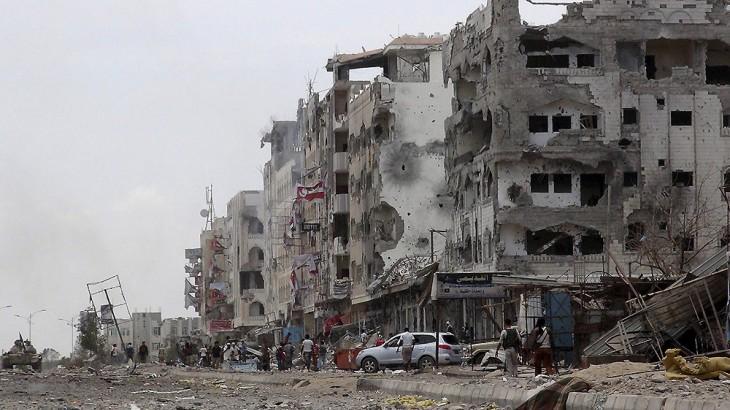 Yémen : distribution d'une aide alimentaire par-delà les lignes de front à Aden