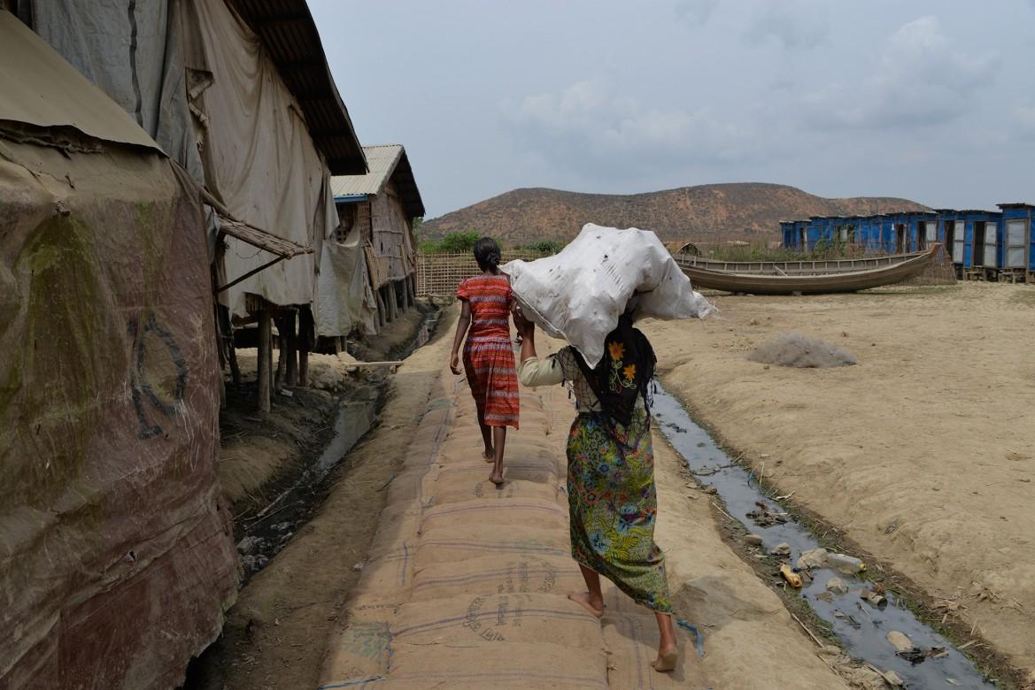 Campo de deslocados internos de Taung Paw, município de Myebon, estado de Rakhine, Mianmar.