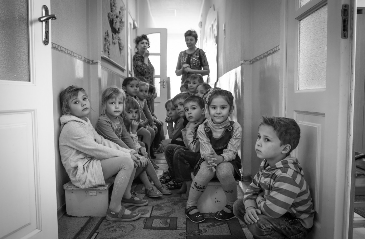 Seeking shelter in the kindergarten of Hranitne, November 2018
