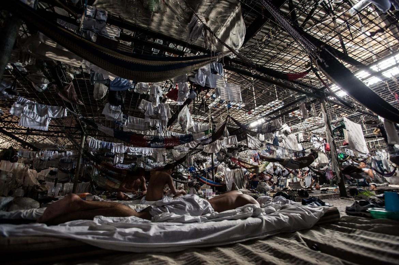 Dormitorio en el Centro Penal de La Esperanza – Mariona.