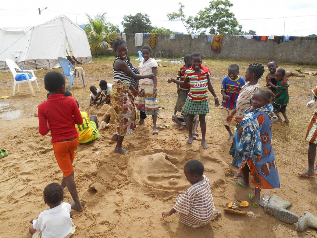 科特迪瓦,格拉博,流离失所者营地。