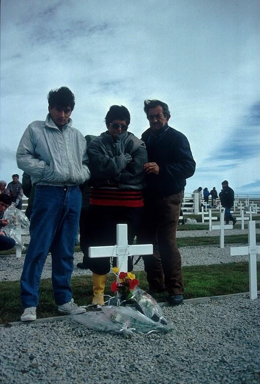 1991: Quase dez anos depois do conflito, a possibilidade de fazer luto
