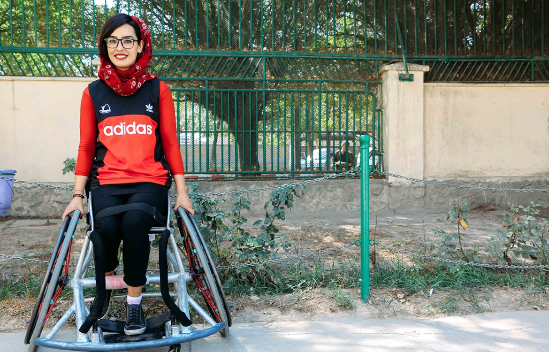 妮卢法尔•巴娅特(Nilofar Bayat),25岁