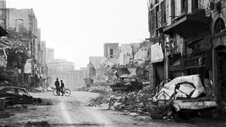 1983年。黎巴嫩贝鲁特被摧毁的街区。