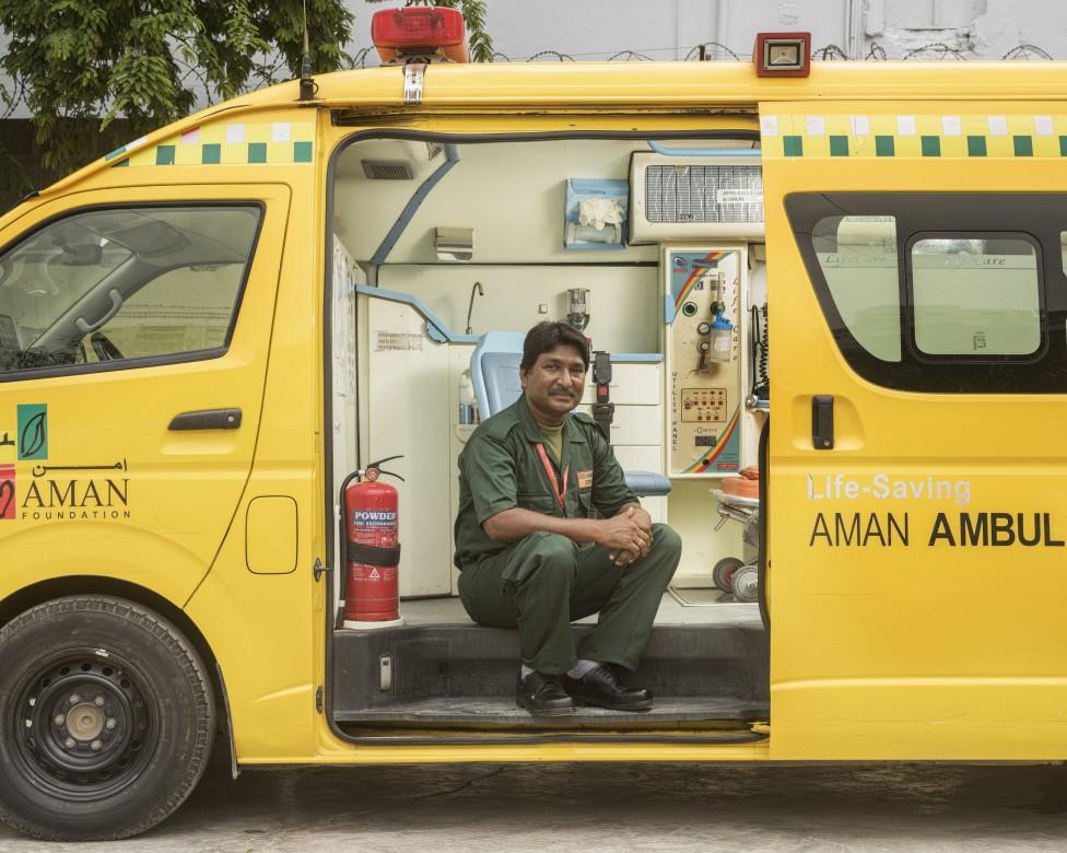 阿曼救护车服务机构急救车司机萨比尔•克里斯托弗(Sabir Christopher)