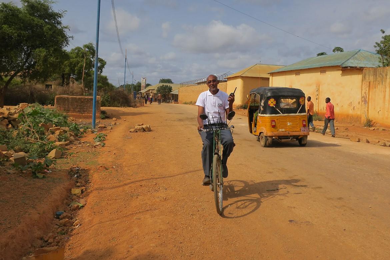 08.00 索马里:骑单车上班