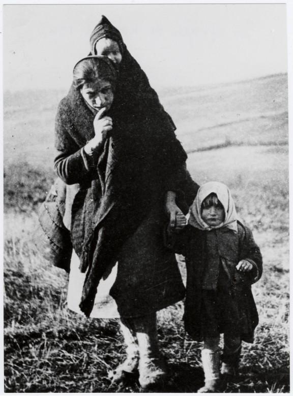 1949年:保护平民
