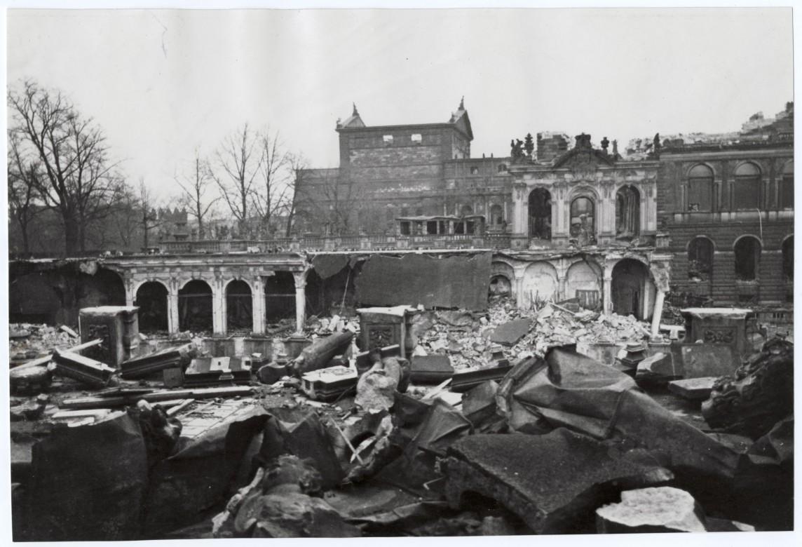 1954年:保护文化财产