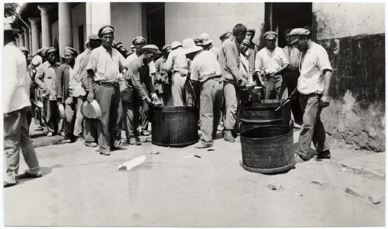 哈耶斯镇战俘营。