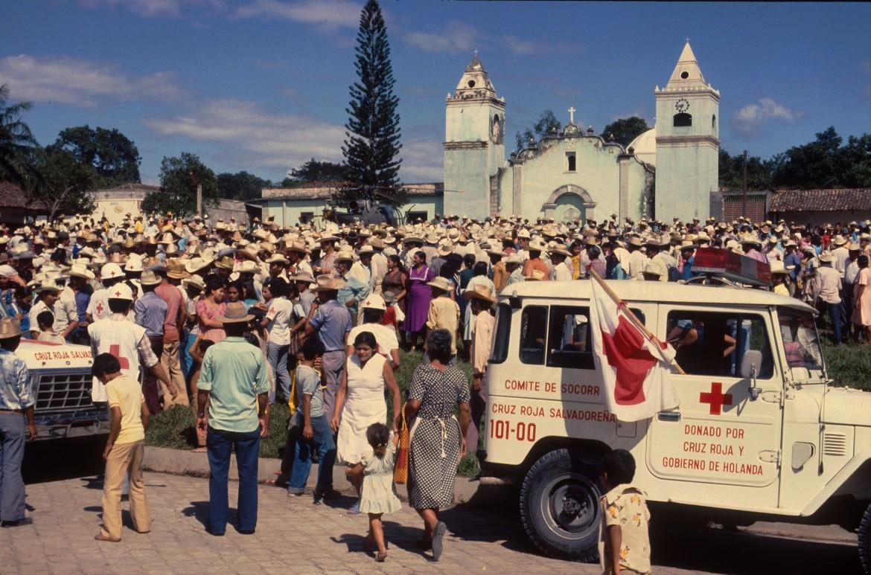 1977年:保护内战受害者