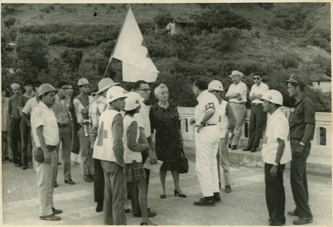Repatriación de personas civiles durante el conflicto entre El Salvador y Honduras en 1969, en Frontera de El Amatillo, La Unión.