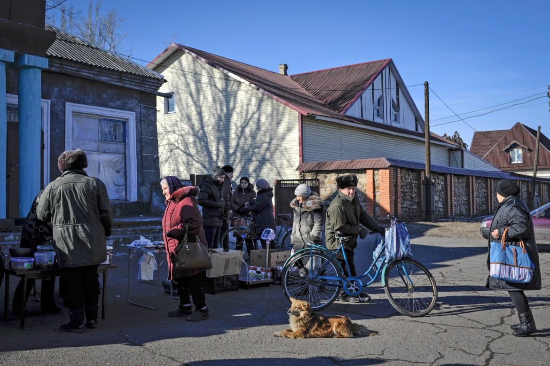 Oleksandrivka, cerca de Donetsk, Ucrania, 24 de febrero de 2015. La vida sigue, pese a los meses de duros enfrentamientos.