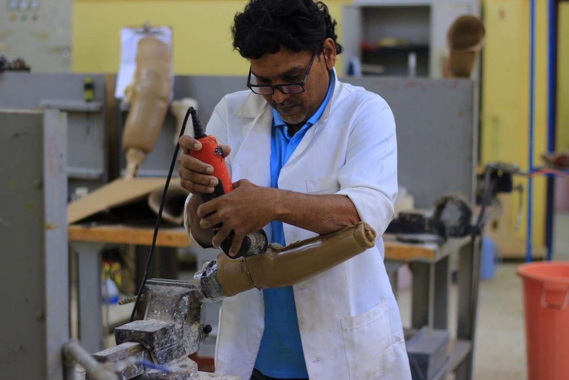 来自也门亚丁省的亚西尔·穆斯塔法(Yasser Mustafa)