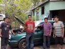 El taller de Douglas: arreglando motores y cambiando vidas