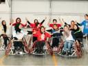 Con gran valor y tenacidad, basquetbolistas afganas en silla de ruedas van por el objetivo