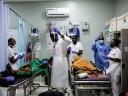 """""""紧急情况中的紧急情况""""——应对冲突局势和新冠病毒的红十字护士"""