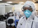 Brésil : malgré la pandémie, l'humanité reste forte derrière les masques