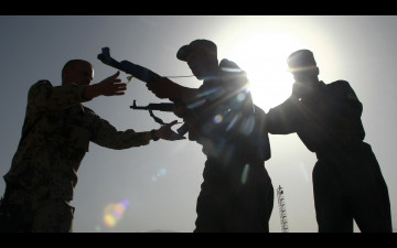 Support relationships in armed conflict: reducing the humanitarian risks of arms supply