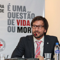 Debate em Brasília trata de ataques a profissionais e estabelecimentos de saúde