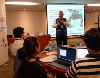 Ecuador: Cruz Roja se fortalece en mecanismos de búsqueda de personas separadas por emergencias