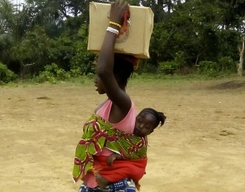 Guinée : 150 familles touchées par le virus Ebola reçoivent de l'aide